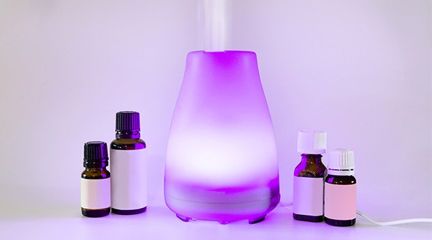 How to Diffuse Essential Oils and DYI Essential Oil Blends