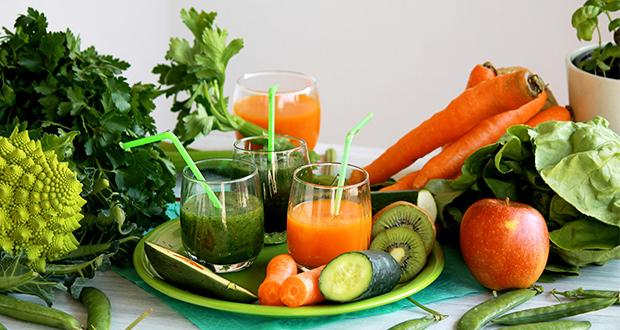 juicing-vs-blending-smoothie