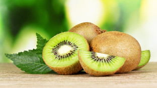 Flesh, Fiber, Skin & Seeds: The Incredible Health Benefits of Kiwi Fruit