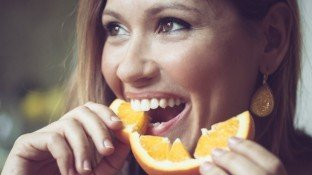 Can Vitamin C Lower Stomach and Colorectal Cancer Risk?